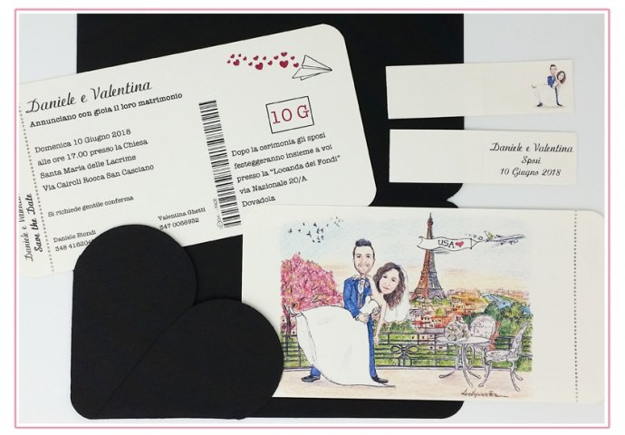 Partecipazione matrimonio voucher con pattella con disegno caricatura fedele di sposi che ballano su un terrazzo a Parigi