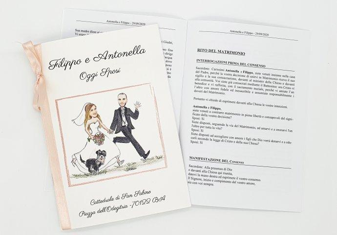 Libretto messa con stampa testi e disegno sposi che corrono mano nella mano con il loro amico a 4 zampe