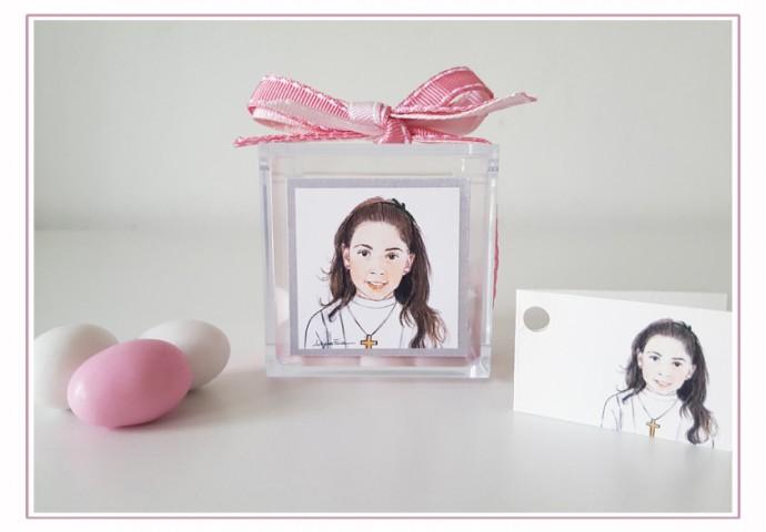 Scatolina plexiglas porta confetti completa di etichetta adesiva personalizzata con disegno bambina in stile ritratto fedele